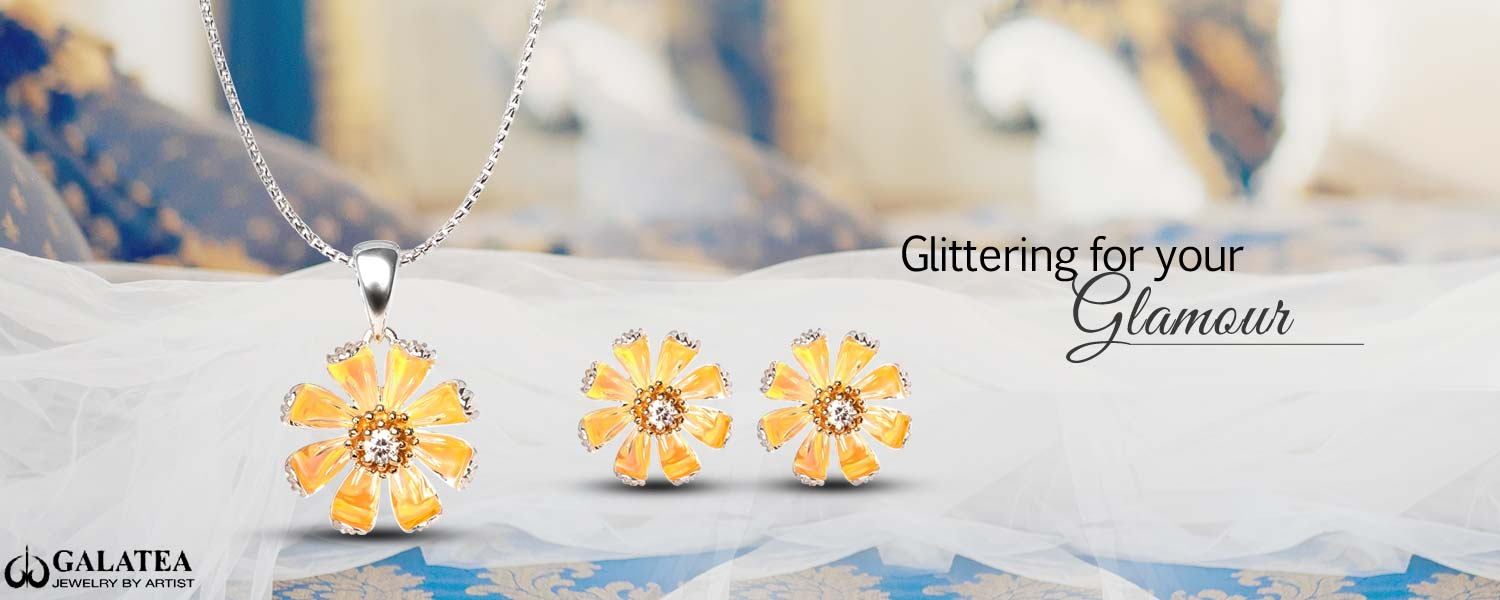 Gloria Daisy Pendant And Earrings At Hamilton's Jewelry